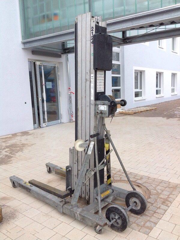 materiallift-300kg-5,6m-sumner-2118
