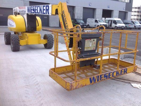 7303-JLG-26m-Diesel-Allrad-Gelenkteleskop-Arbeitsbühne