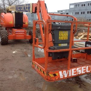 7305-JLG-26m-Diesel-Allrad-Gelenkteleskop-Arbeitsbühne
